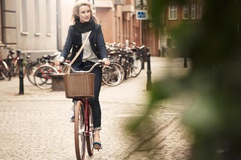 Her ses 'cykelhjelmen' i aktion